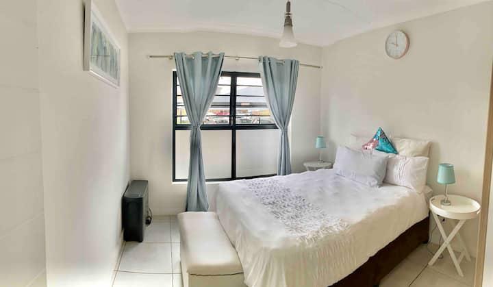 "Lagoon beach apartment in vibrant ""The Blyde"""