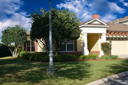Luxury Carriage House Golf Front - The Villages - House