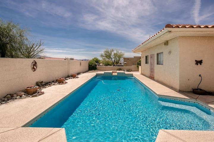 5 bedroom / 3 Bath/ foozball, pool table, pool and mini golf