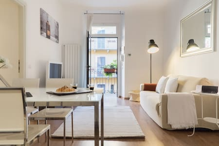 Charming Sempione Apartment