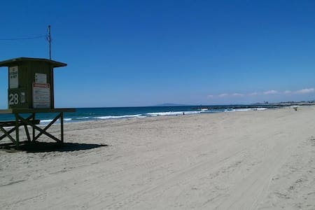 3BD on 28th Street, Steps to the Beach