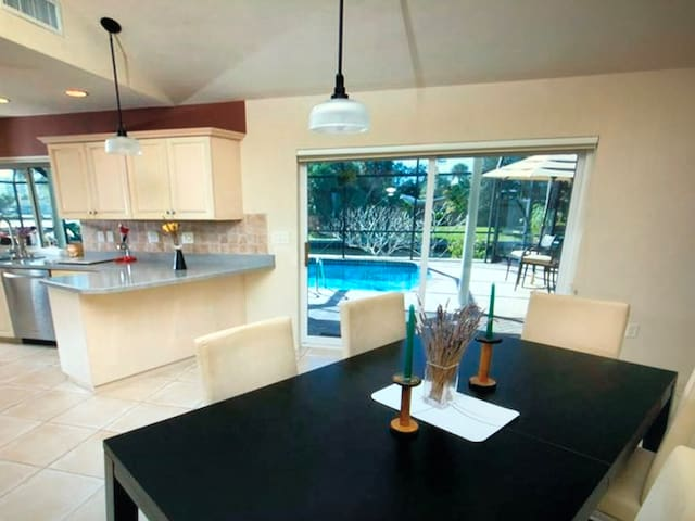 House for 4 guests with 3 bedrooms in Cape Coral