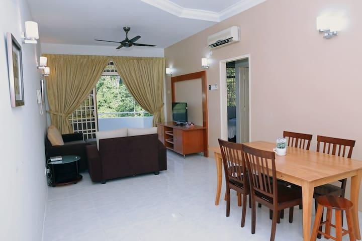 Eden Seaview Condominium (Low Floor, Hill View) - Batu Feringghi - Apartemen