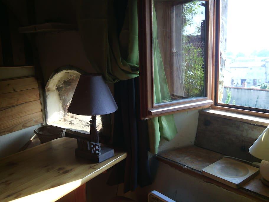 tiny typical house houses for rent in charmes sur rh ne auvergne rh ne alpes france. Black Bedroom Furniture Sets. Home Design Ideas