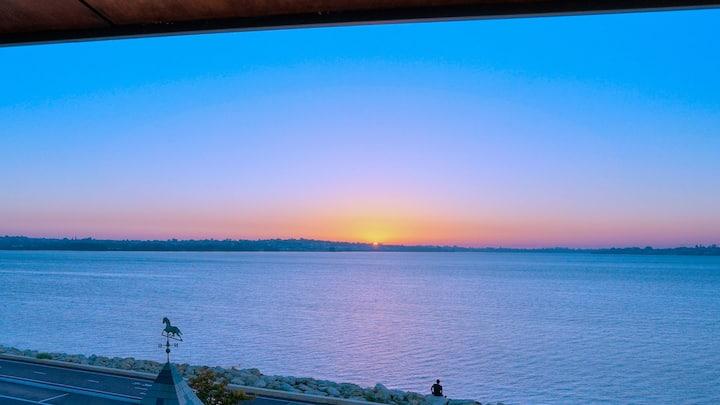 Serina Riverside Along Swan River Applecross,Perth