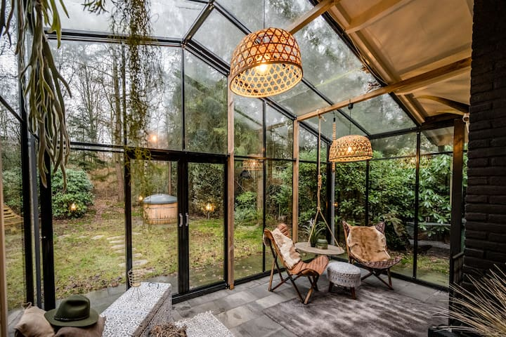 Boutique bungalow met sauna en hottub