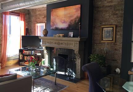 Exquisite art filled designer brick loft/West Loop - Chicago