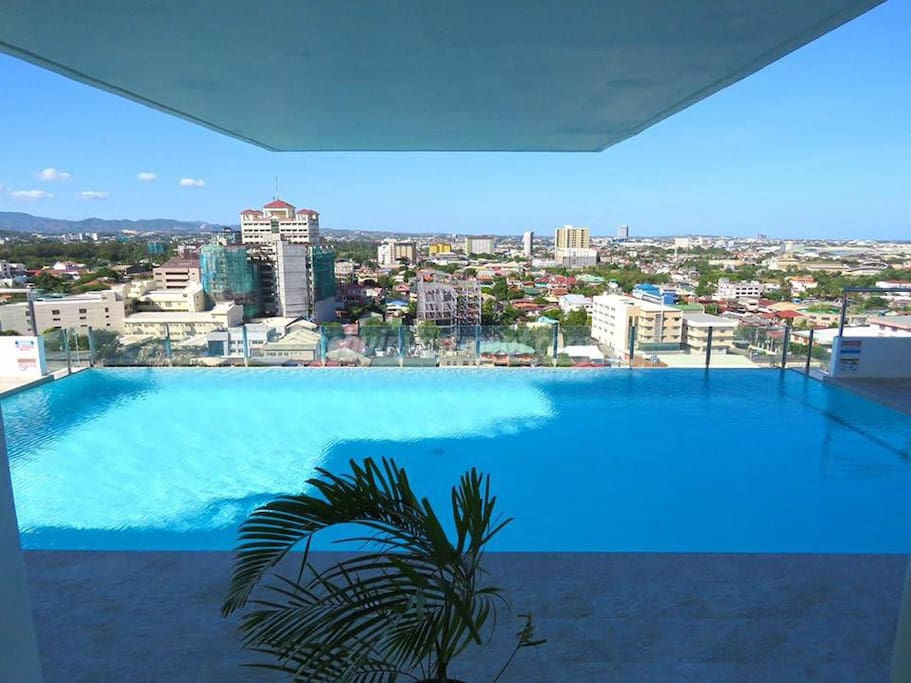 Infinity pool at the 17th level