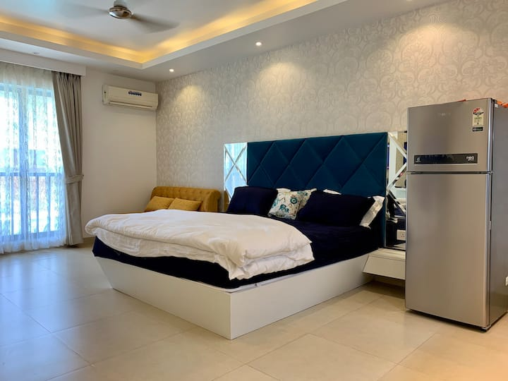 Riviera Sapphire Studio Apartment