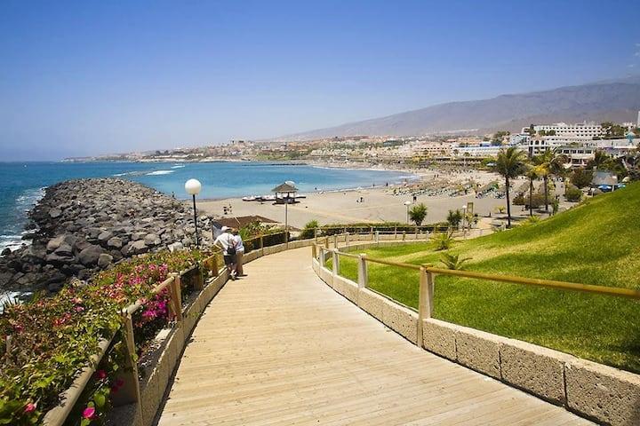 Playa de Las Américas, muy céntrico y con piscina!