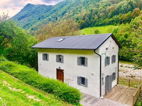 Soca Area - Restored cottage on the Idrijca river