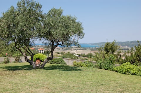Family 5-bdrm villa with sea views on private land