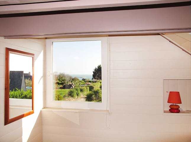 80 m² Holiday home in Roscoff - Roscoff - Huis