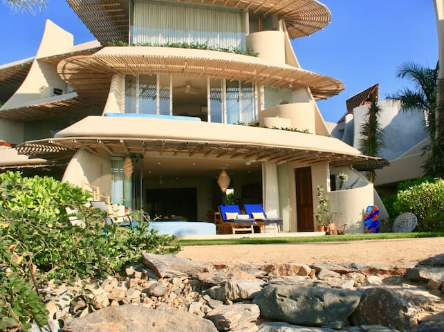 Beach-level luxe ~ Ocean & Mountain views ~ Pools