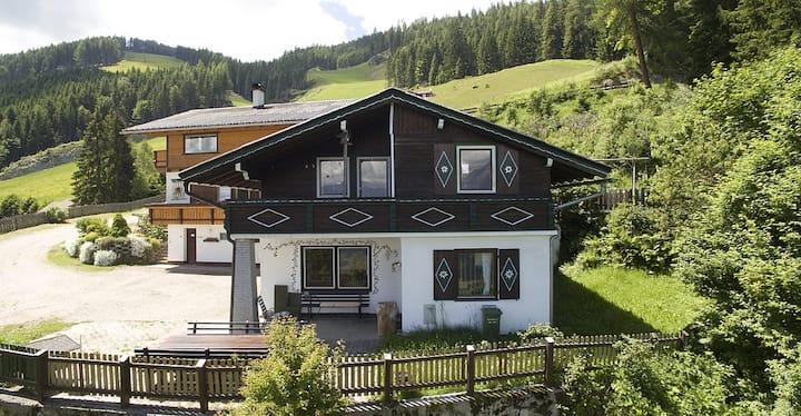 Urlaub auf dem Berg mit Dachsteinblick