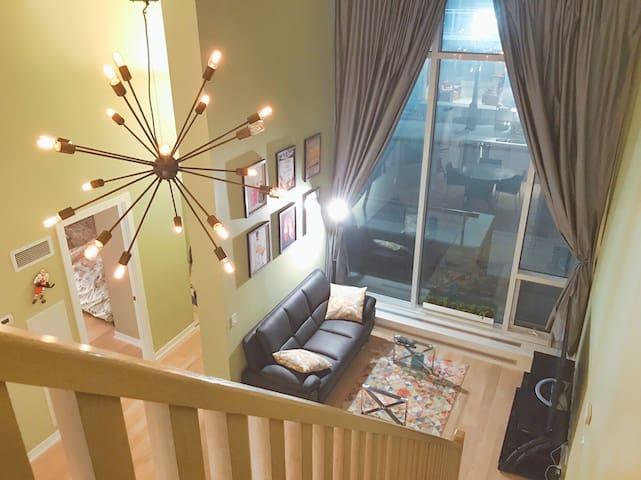 Loft Style 3BR/3WSR+ Den Townhouse in Heart of DT - Toronto - Casa a schiera