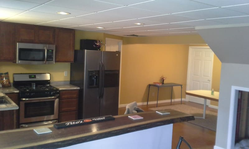 Spacious suite,private patio,safe,country setting.