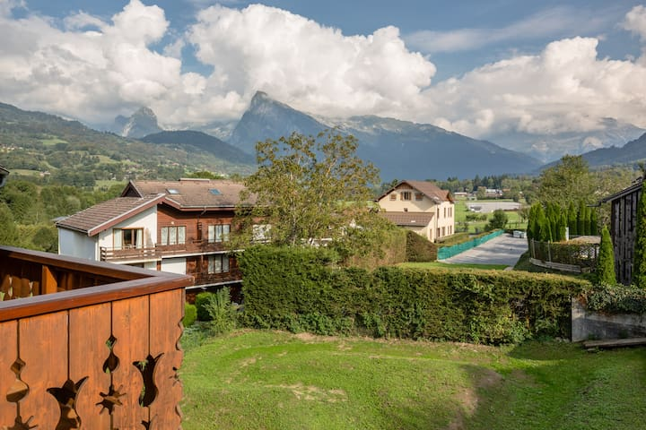Cute 2 Bedroom Duplex Apartment With Mountain View - Morillon - Wohnung