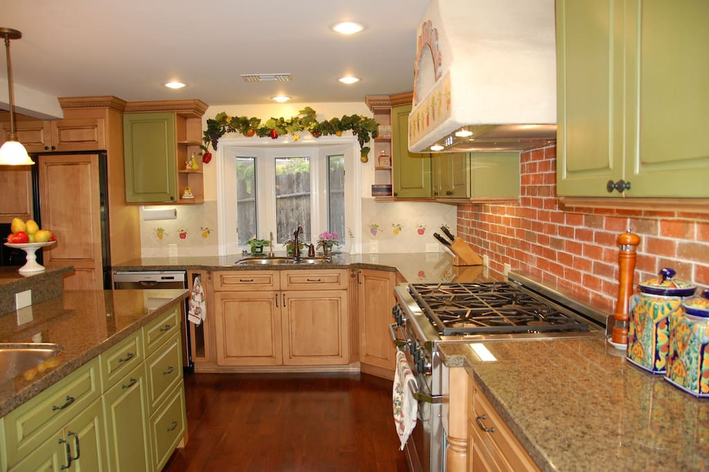 Beautiful kitchen, open for your use.
