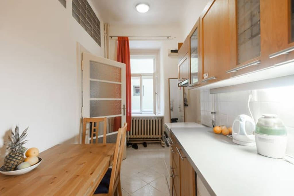 kitchen with all equipment that you need for a good brakfast