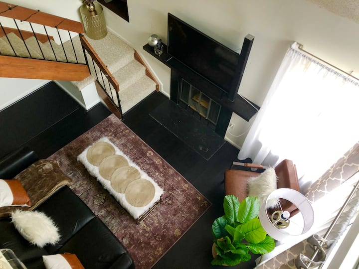 New! 2 Bedroom Loft in Silver Spring