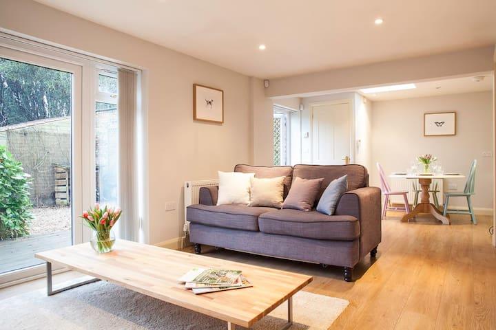 Holiday cottage near Bath and Bradford on Avon