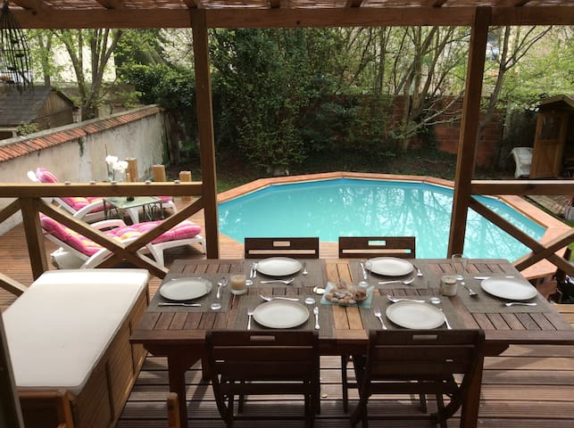4 bedroomed townhouse with pool near Disneyland - Esbly