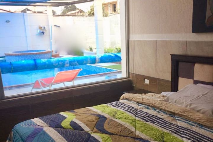 Relax at spacious suite with a pool 1h from Quito
