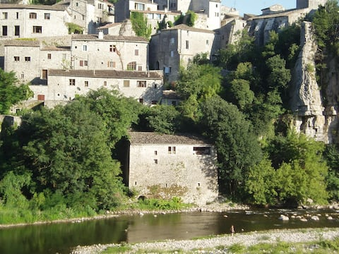 Le Moulin - gîte au calme en bordure de l'Ardèche