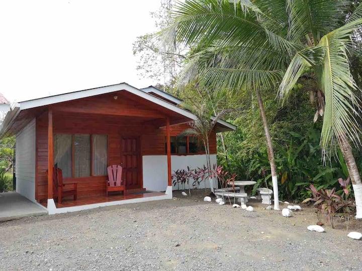 Hermosa cabaña construida con Teca.