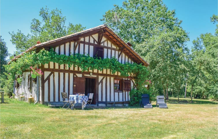 Holiday cottage with 2 bedrooms on 60m² in Vert