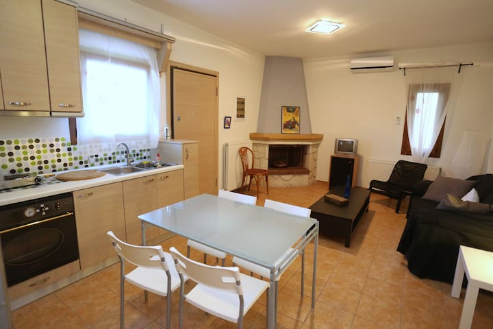 Comfortable Apartment in Fourka - Fourka - Apartment
