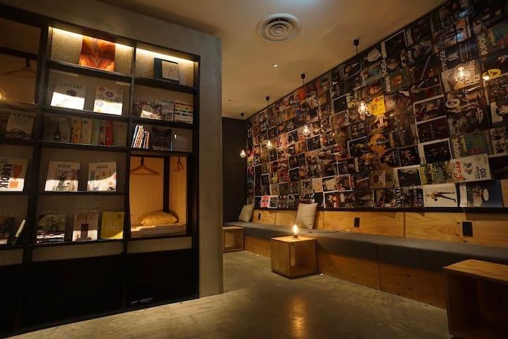 1min Tenjin station[Sleep in a book shelf 1]