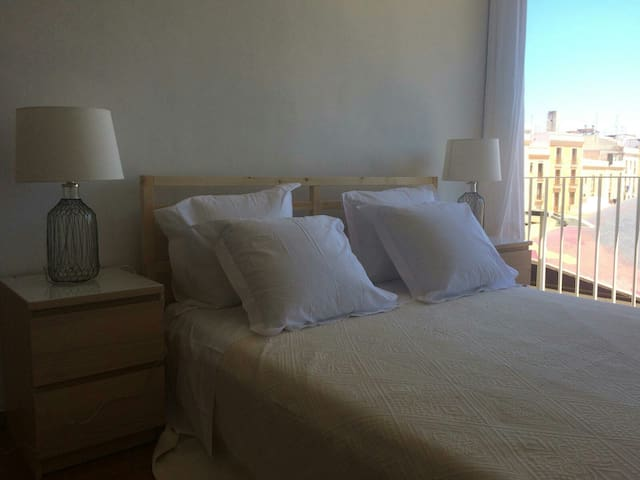 AMAZING VIEW-KING SIZE BED- BEST LOCATION OLD TOWN