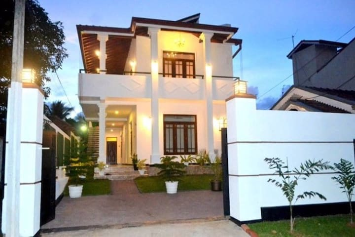 Shenal Residency - 4 BR Bungalow - Negombo - Apartment