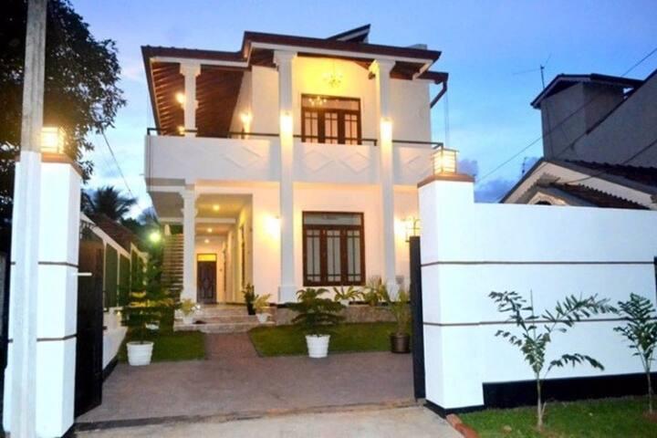 Shenal Residency - 4 BR Bungalow - Negombo - Pis