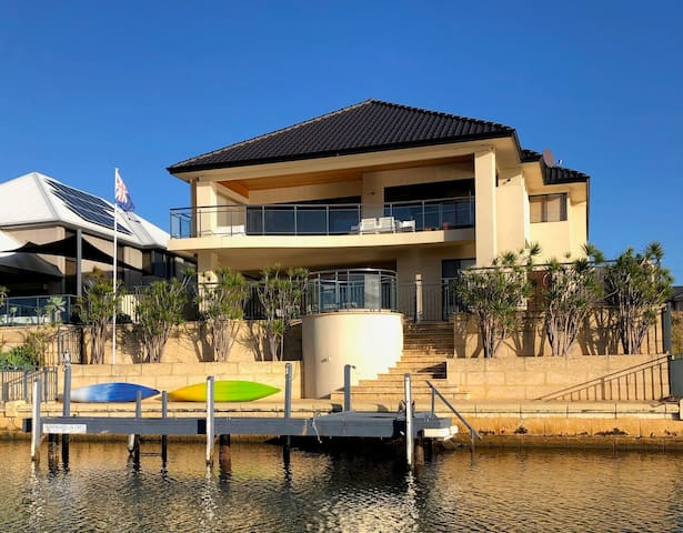 Canal Luxury in Port Mandurah with Awesome Views