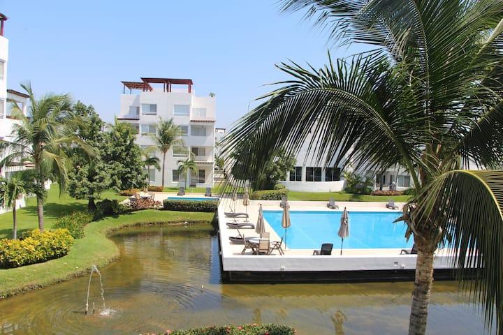 Hermosa Villa cerca de La Isla
