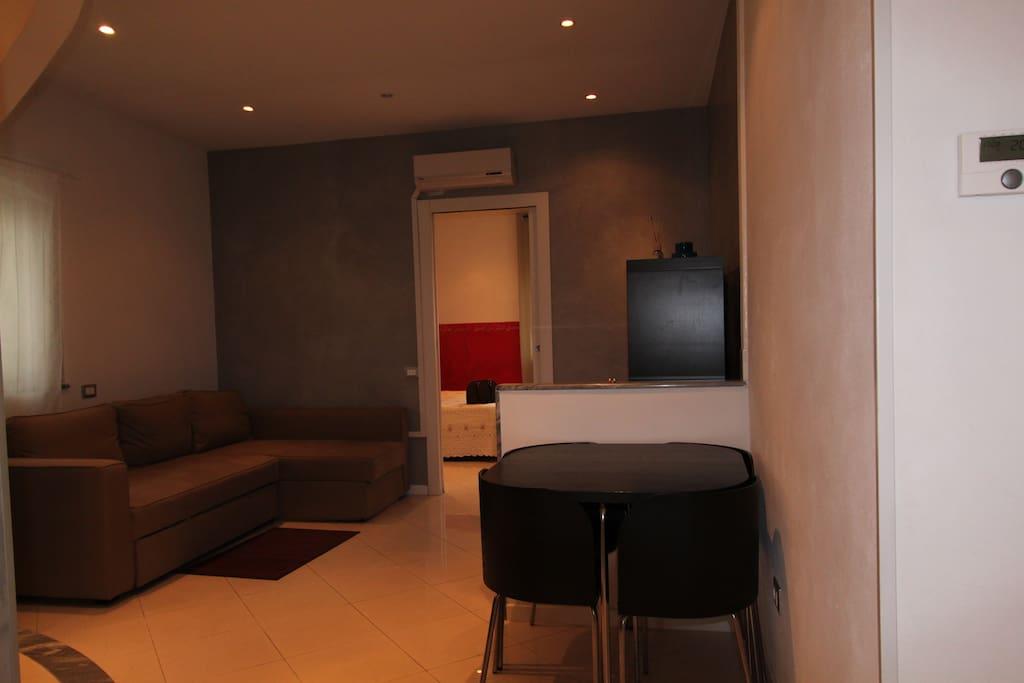 Livingroom with sofa bed for 2 - Sala con sofacama para 2 personas