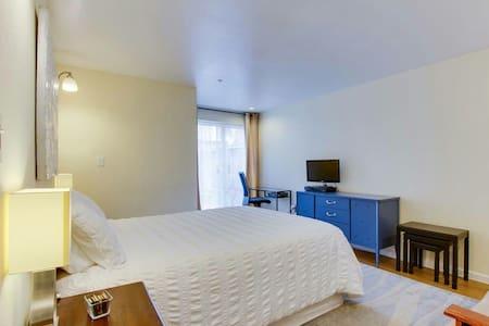 *pleasant graceful flats - Elm Grove