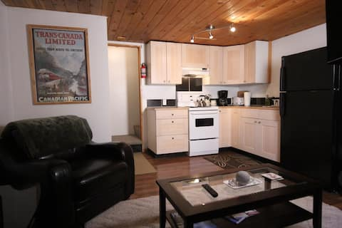 very private 2 bedroom suite on acreage