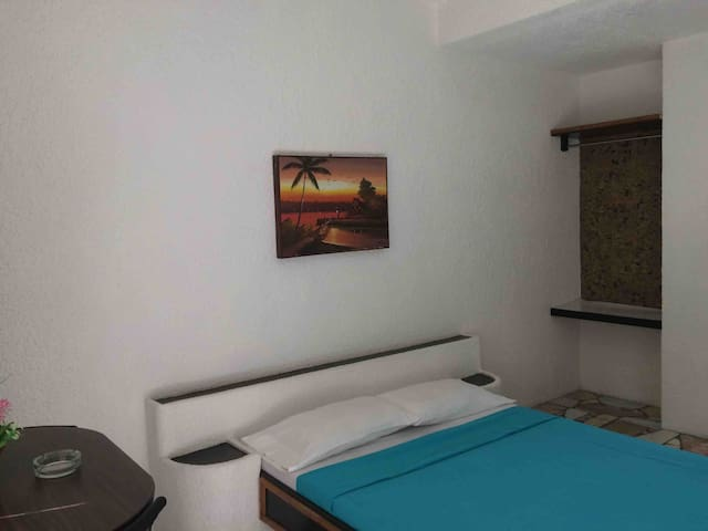 AC Beachfront room for rent in Twin's place