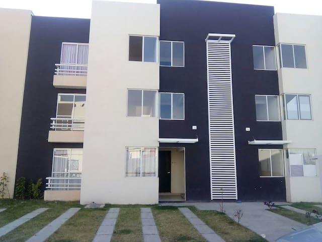 Depto. amueblado cerca de FINSA/ VW - San Juan Cuautlancingo - Apartament
