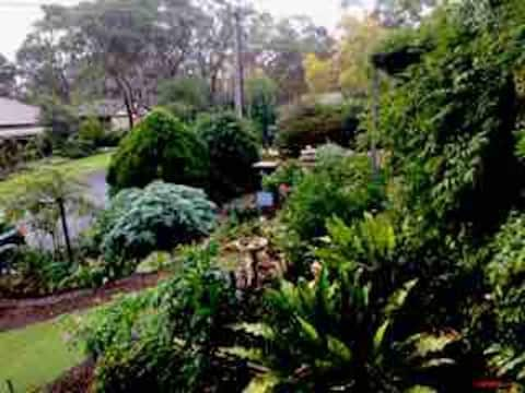 Relax, Unwind & Enjoy Bushland & City Views Belair