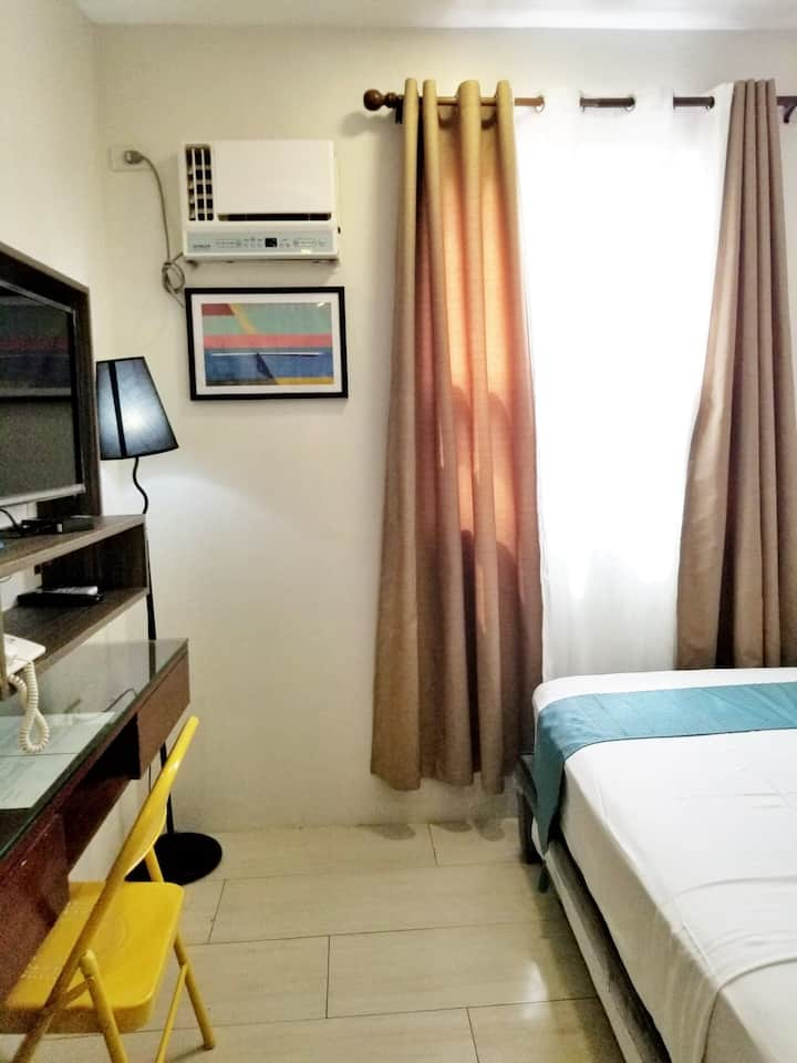 Standard Single room located in the heart of Cebu