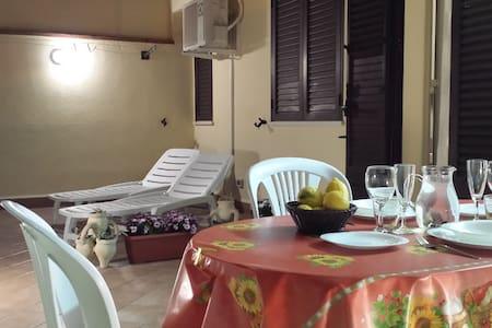 Monolocale con terrazzo panoramico - Santa Flavia