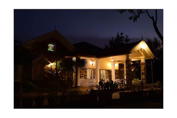 Beautiful Homestay Chikamagalur Colonial Queen