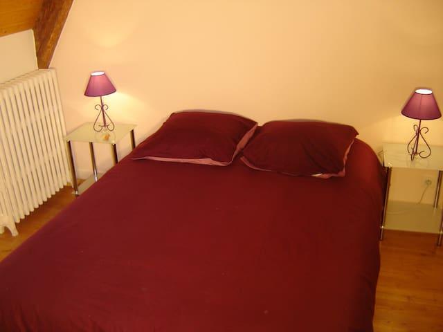 chambre 1 : lit double