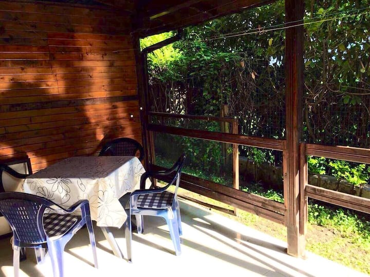 Large apartment 1 min from the beach.