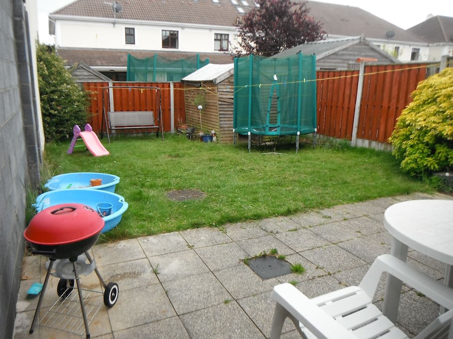Back garden and pation area